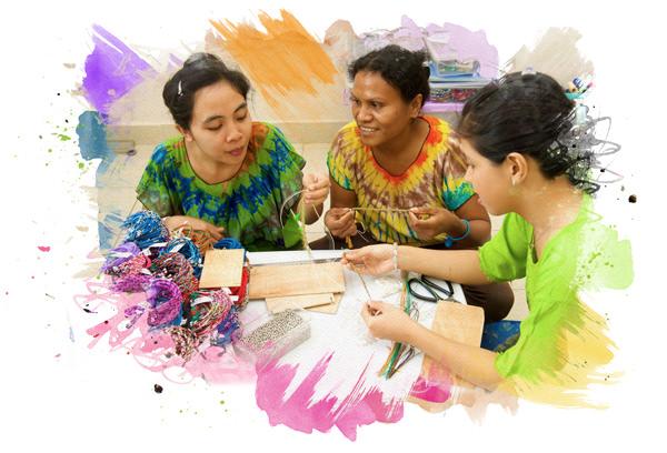 Durch den Kauf von WELTFREUND Armbändern sicherst Du Arbeitsplätze auf Bali