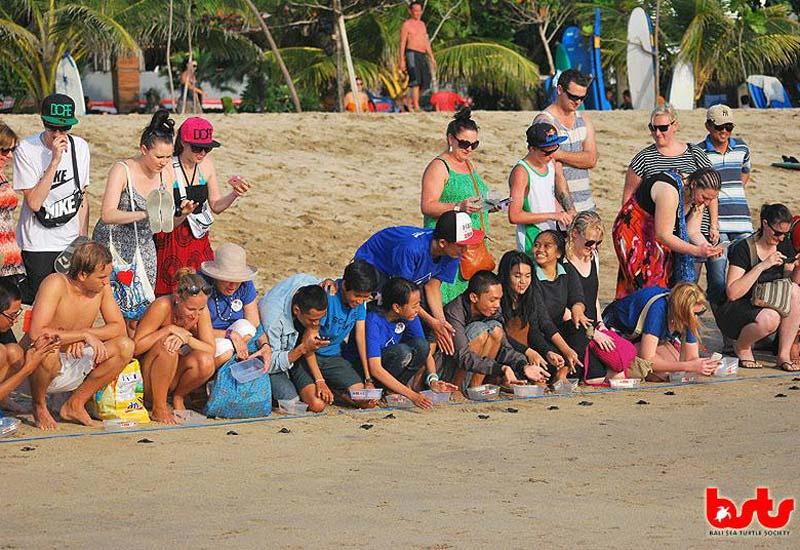 Touristen werden in die Artenschutzbemühungen eingebunden (c) BSTS